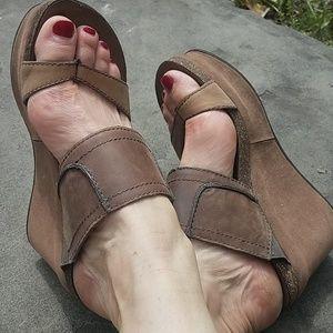 OTBT wedge sandal Brookfield sz6